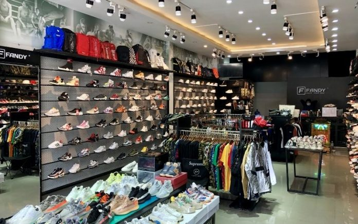 Còn chần chừ gì nữa mà không khám phá ngay 06 shop giày nam đang làm mưa làm gió ở Đà Nẵng