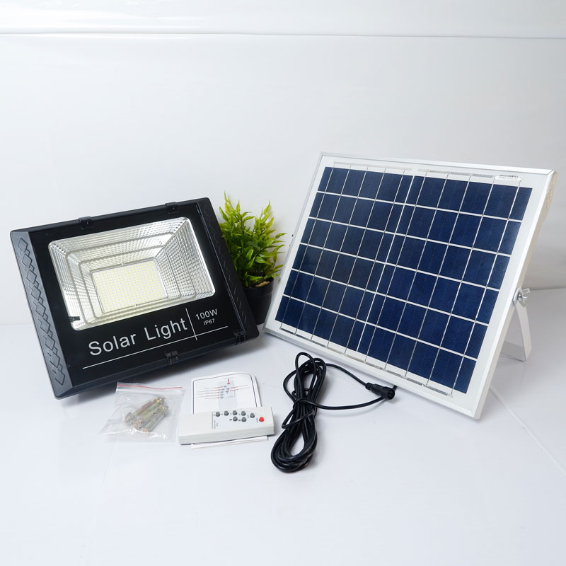 Đèn pha LED năng lượng mặt trời